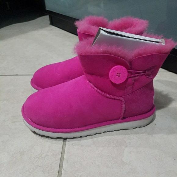 Hot pink ugg boots